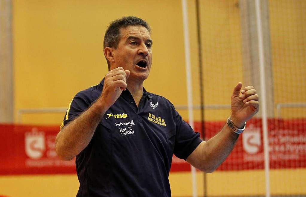 Manolo Cadenas confirmó los 17 jugadores que lo acompañaran en el Cuatro Naciones